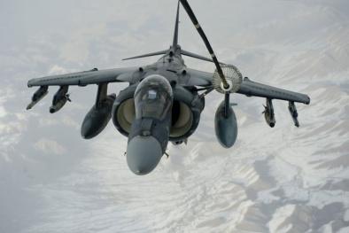 Soi chiến đấu cơ 'cực độc' của Mỹ đem tới Biển Đông