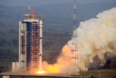 Trung Quốc ngang ngược 'khuấy sóng' Biển Đông bằng vệ tinh viễn thám