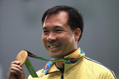 Xạ thủ Hoàng Xuân Vinh được thưởng gần 6 tỷ đồng