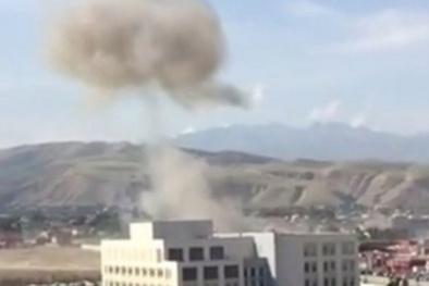 Đại sứ quán Trung Quốc ở Kyrgyzstan bị bom xe lao vào nổ tung