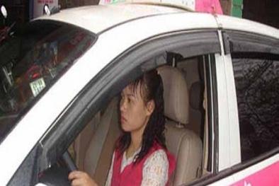 Nữ tài xế taxi bỏ chạy thục mạng vì bị khách sàm sỡ