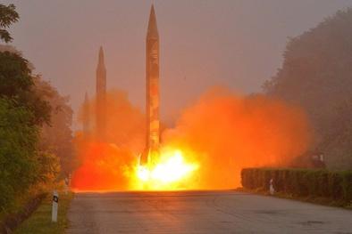 Triều Tiên phóng 3 tên lửa đạn đạo về phía biển Đông