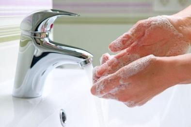 Mỹ cấm bán 2.000 sản phẩm nước tẩy rửa tay diệt khuẩn