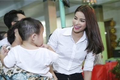 Phạm Hương hạnh phúc đón Trung thu ấm áp cùng người nghèo