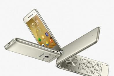 Giữa 'cơn lốc' smartphone, Samsung tung điện thoại nắp gập gây sốt