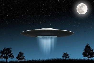 Hé lộ bằng chứng đĩa bay đã ghé thăm Trái đất từ 300 năm trước?