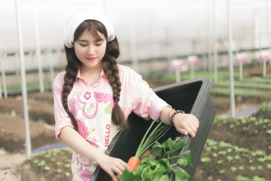 Hot girl trồng rau, 9x làm giàu kiếm 150 triệu/tháng trên sân thượng