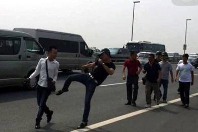 Phóng viên báo Tuổi trẻ bị hành hung, đập thiết bị khi tác nghiệp