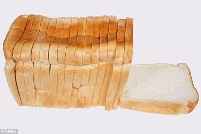 Rùng mình với lô bánh mì Trung Quốc làm từ phế thải