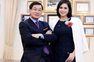 Bố mẹ chồng Hà Tăng trở thành cặp đôi 'quyền lực' của thời trang thế giới