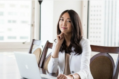 Jessica Mah: Cô triệu phú 26 tuổi từng sống bằng 'mỳ tôm'