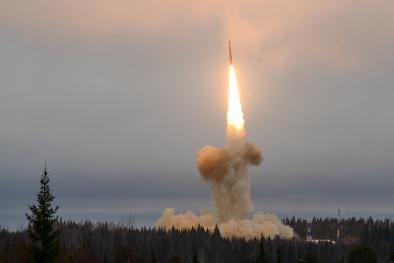 Vũ khí quân sự: Tàu ngầm hạt nhân Nga phóng thử thành công 3 tên lửa tầm xa liên tiếp