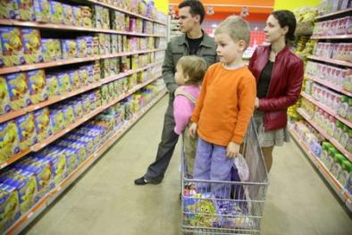 Xe đẩy trong siêu thị và những nguy hiểm khôn lường với trẻ nhỏ