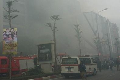 Cận cảnh hiện trường vụ cháy lớn ở Trần Thái Tông
