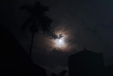 Clip: Trực tiếp siêu trăng ở Hà Nội