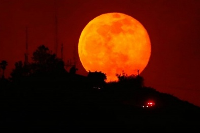 Người dân cả nước hào hứng khoe ảnh siêu trăng trên mạng xã hội