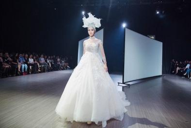 Mai Ngô, Á hậu Thùy Dung đọ sắc khi cùng mặc váy cô dâu