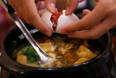 Chớ coi thường khi ăn lẩu trứng vịt lộn mùa đông