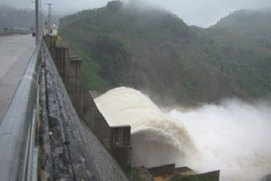 Thủy điện Sông Tranh 2 xả tràn do mưa lớn