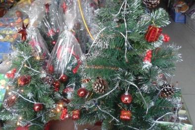 Hàng hóa giáng sinh 2016: Có tiềm ẩn nguy hại khó lường