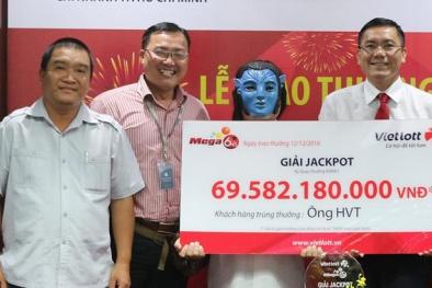 Giải xổ số Vietlott 70 tỷ: Người đàn ông 40 tuổi nhận giải đeo mặt nạ 'kín mít'