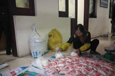 Phát hiện cụ bà sản xuất, buôn bán mì chính Miwon giả