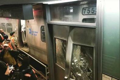 New York: Tàu hỏa trật bánh, gần 80 người bị thương
