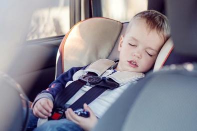 Hóa chất độc hại 'tiềm ẩn' trong ghế ô tô trẻ em