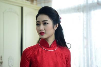 Hoa hậu Trần Thu Ngân xinh tươi trong lễ ăn hỏi