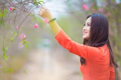 Nam thanh nữ tú rộn ràng check-in vườn đào Nhật Tân dịp giáp Tết