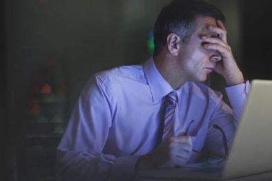 Công việc áp lực có thể 'tiêu diệt' sức khỏe con người