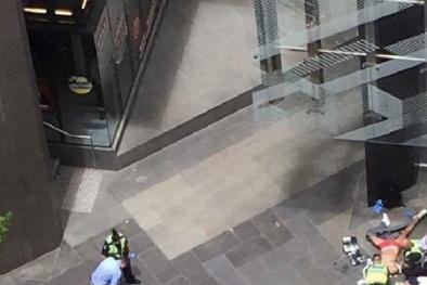 Úc: Cảnh sát rượt đuổi xe hơi đâm vào đám đông, khoảng 20 người thương vong