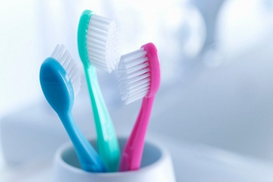 Bàn chải đánh răng: 'Ổ' vi khuẩn gây bệnh viêm gan