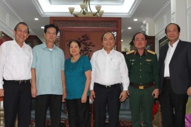 Thủ tướng Nguyễn Xuân Phúc chúc Tết gia đình các nguyên lãnh đạo Chính phủ