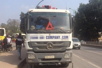 Tai nạn giao thông: Dân chặn bắt xe bồn bỏ chạy sau khi cán tử vong một cô gái