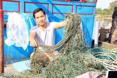 Quảng Trị: Bùn lạ xuất hiện làm hại ngư dân