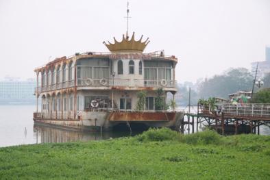 Du thuyền, nhà nổi hồ Tây: Những hình ảnh cuối cùng trước giờ tháo dỡ