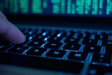 Cảnh báo lừa đảo lấy tiền trong tài khoản Ngân hàng trên Facebook, Twitter