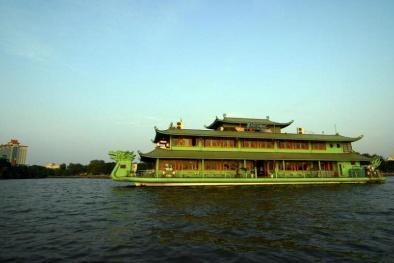 Nhìn lại nhà hàng nổi Potomac 'vang bóng' một thời trước khi bị tháo dỡ