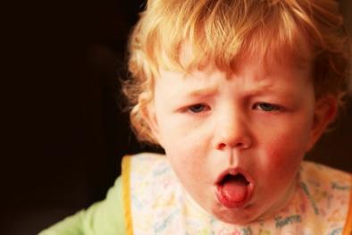 Ho gà bùng phát: Mẹ phải làm gì để con không nhiễm bệnh?