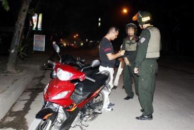 Khởi tố nhóm thanh niên vi phạm giao thông, đánh cảnh sát cơ động