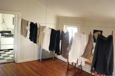 Cách giúp quần áo nhanh khô, thơm phức trong những ngày mưa dầm