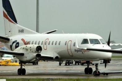 Máy bay chở khách mất cánh quạt, hạ cánh khẩn cấp