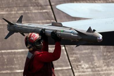 Uy lực tên lửa AIM-9X dẫn đường hồng ngoại mạnh nhất hành tinh