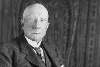 Bài học kinh doanh từ tham vọng đáng sợ của 'Vua dầu mỏ' Rockefeller