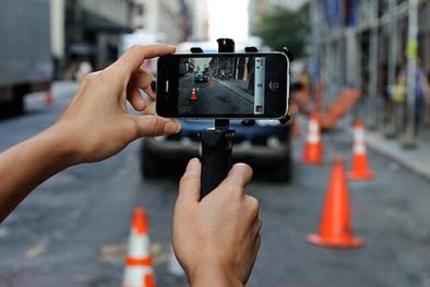 Hà Nội thí điểm thu phí giữ xe qua điện thoại một số tuyến phố
