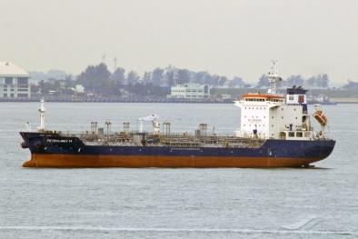 Huy động phương tiện tìm kiếm 9 thuyền viên mất tích trên biển