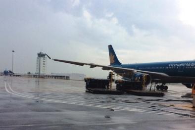 Sân bay Tân Sơn Nhất ngập lụt nặng, 35 chuyến bay bị ảnh hưởng
