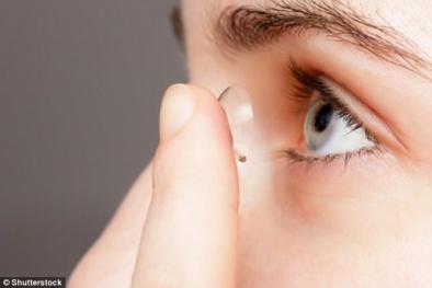 Không muốn bị mù hãy dừng đeo kính áp tròng ngay