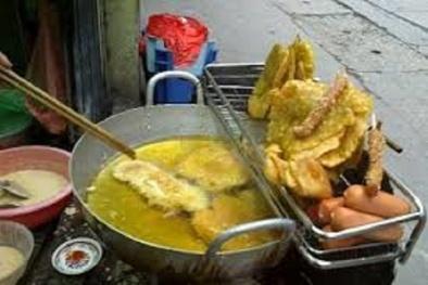 Bán thức ăn đường phố không có dụng cụ che chắn sẽ bị phạt thế nào?